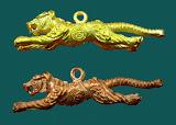 เสือปืนแตกบารมี 97 มาเป็นคู่! เนื้อทองแดง+ทองเหลือง หลวงปู่แย้ม วัดตะเคียน พร้อมคาถาปลุกเสก