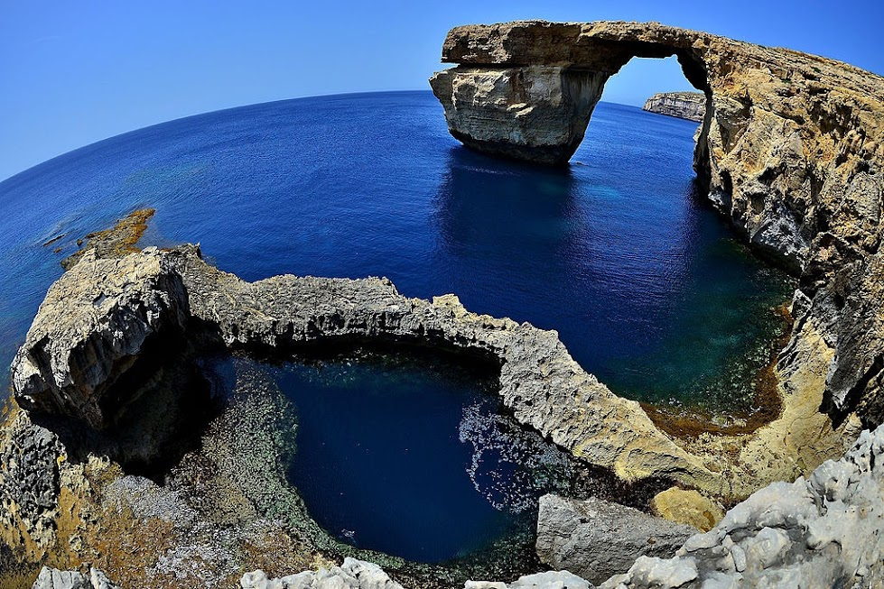 藍窗 Azure Window
