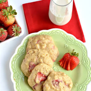 Healthy Strawberry Oatmeal Cookies.
