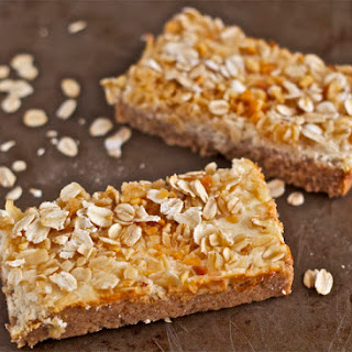 Oat and Yogurt Breakfast Bars (adapted from Lianna Krissoff's Whole Grains for a New Generation)
