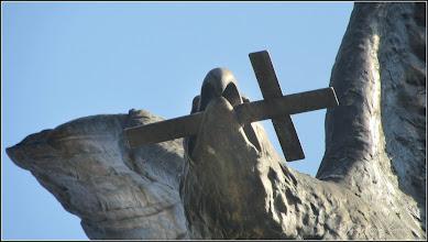"""Photo: Monumentul Eroilor Aviatori '""""Vultur Sabie si Cruce"""", detaliu -  din Piata 1 Decembrie 1918 - 2016.09.10"""
