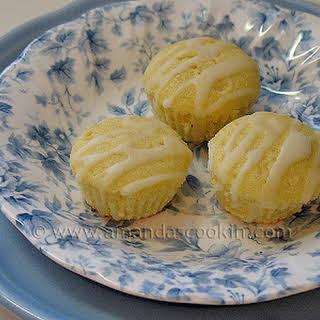 German Mini Lemon Cakes – Zitronenkuchen / Zitrone Mini-Kuchen.