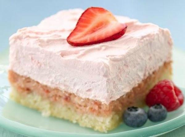Easy Strawberry Cream Dessert Squares Recipe