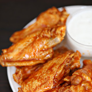 Easy Crock Pot Buffalo Wings.