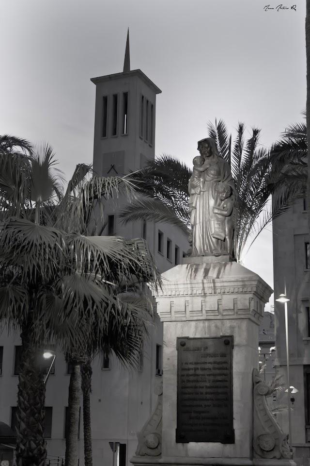 En la imagen la estatua de la Caridad actualmente.