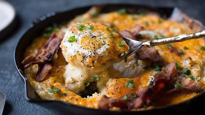 Cheesy Mashed Potato Egg Skillet Casserole Recept | Yummly