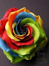 Photo: Regenbogen Rose Rainbow rose www.tortentante.de