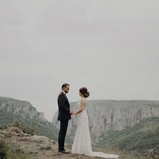 Wedding photographer Dániel Majos (majosdaniel). Photo of 31.05.2017