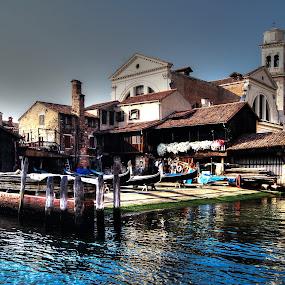 Squero di S. Trovaso - Venezia - 2013 by Riccardo Lazzari - City,  Street & Park  Historic Districts ( gondola, boats, venice, italy, squero )