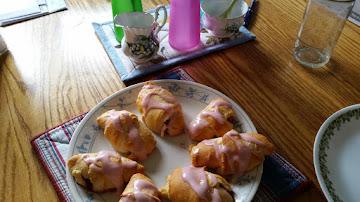 Strawberry Cream Cheese Cressents Recipe