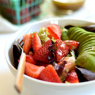 Simple Summer Salad with Stawberries