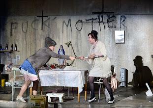 Photo: Wien/ Akademietheater: DIE PRÄSIDENTINNEN von Werner Schwab. Inszenierung David Bösch. Regina Fritsch, Barbara Petritsch. Copyright: Barbara Zeininger