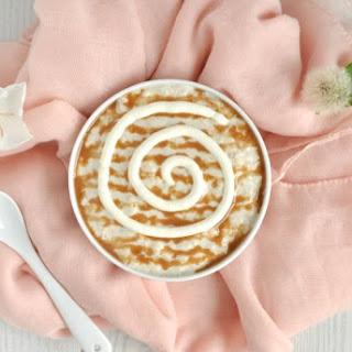 Healthy Cinnamon Roll Overnight Oats.