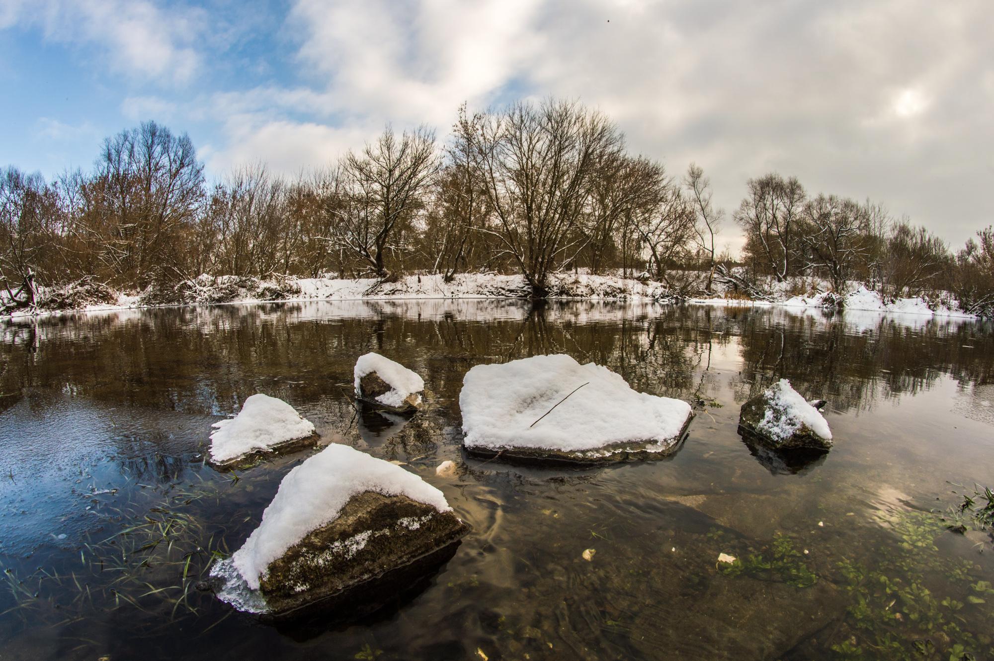 Річка полісся