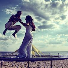 Wedding photographer Aleksandr Blagodyr (life1990). Photo of 04.10.2016