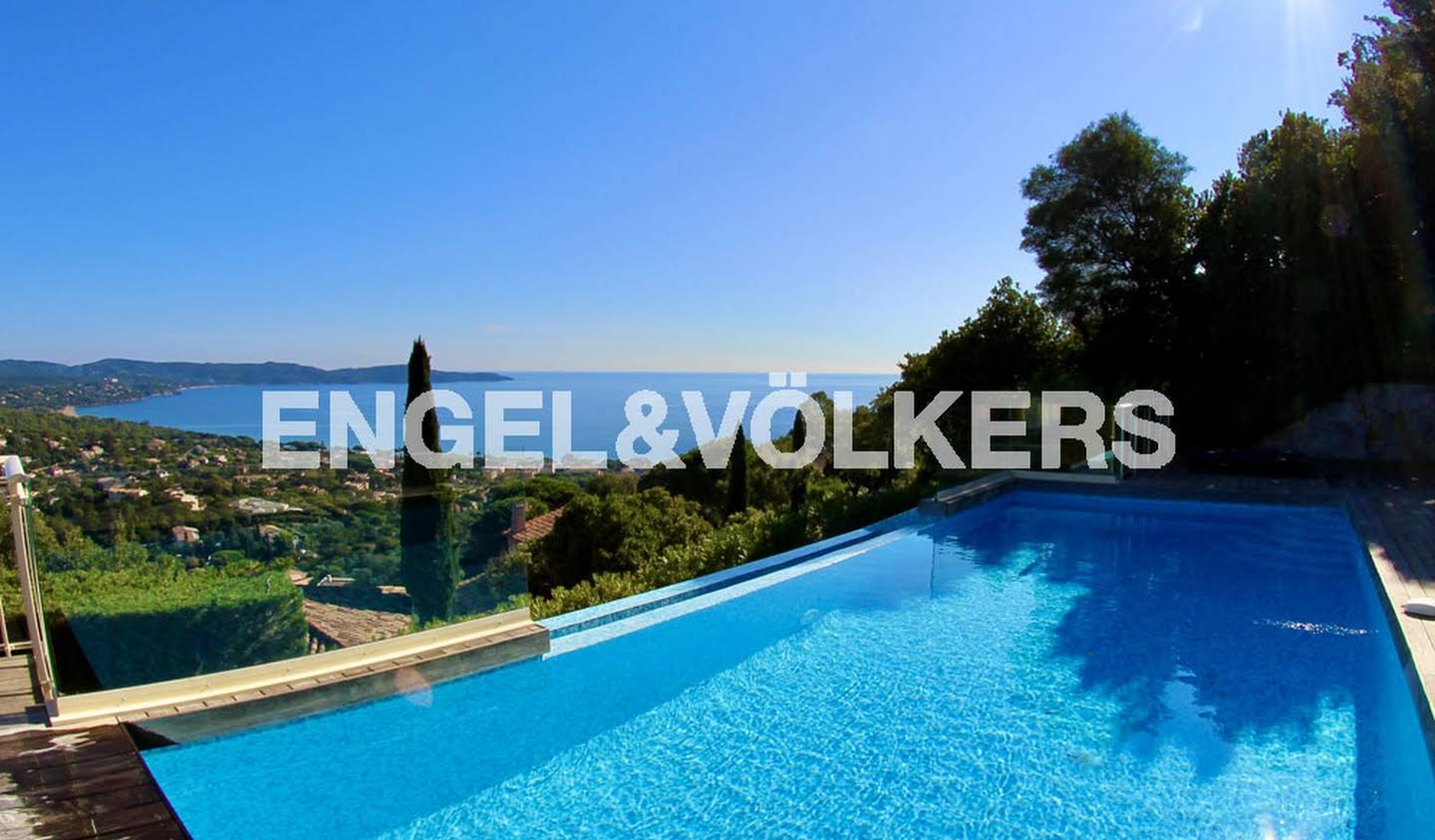 House with pool and terrace Cavalaire-sur-Mer