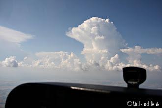 Photo: Det er mye tordenværsaktivitet. Like før dette var vi på vei rett mot en tordensky, som ikke var så lett å se gjennom disen. Da det plutselig lynte inni disen, svingte vi ganske raskt en annen vei.