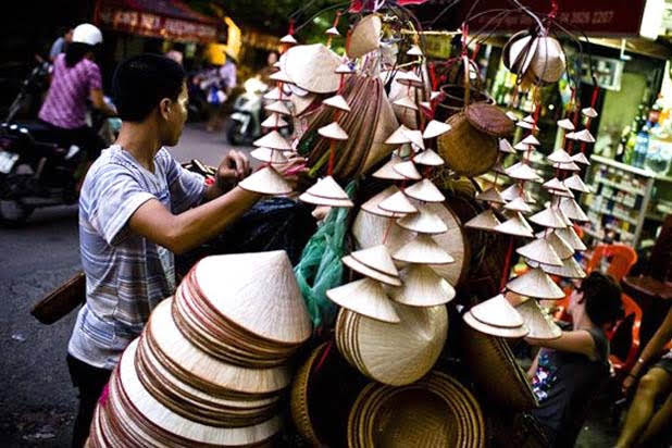 Conical hat making in Hue