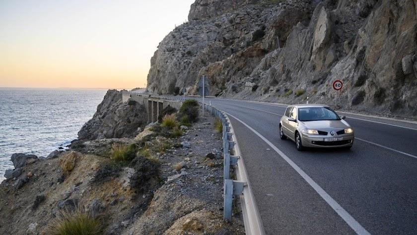 Imagen de vehículos transitando por El Cañarete