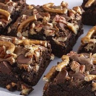 Brownies with Dulce de Leche, Pecans and Pretzels