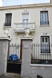 Maison 11 pièces 236 m2