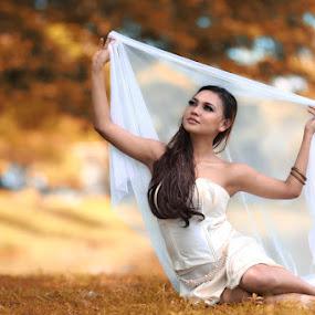 Susan Pantaw by Yanwar Afandy - People Fashion