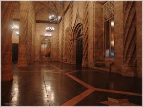 Photo: Interior de la Lonja ( Valencia).www.viajesenfamilia.it/
