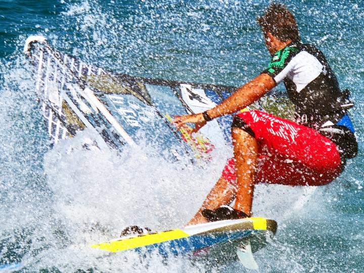 Windsurfing splash di Silvio Lorrai