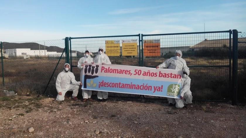 Protesta de Ecologistas en Acción en 2016, con motivo del 50 aniversario del accidente de Palomares.