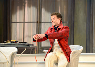 Photo: WIENER VOLKSOPER: GRÄFIN MARIZA. Inszenierung: Thomas Enzinger. Premiere 22.3.2014. Boris Eder. Foto: Barbara Zeininger