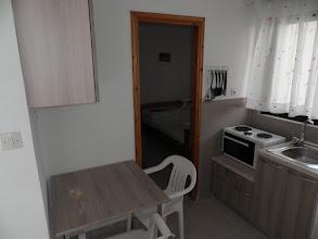 Photo: Η κουζίνα στο διαμέρισμα 16-Kichen of apartment No 16