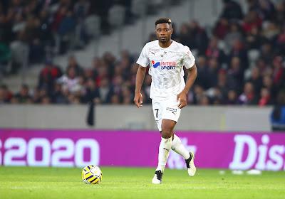 Wordt dit de eerste transfer van het nieuwe Oostende? Ex-speler van Lille en Galatasaray in de belangstelling bij Kustploeg