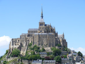 Photo: About 90 minutes further by car is Mont St. Michel, reportedly the third most visited place in France (after the Eiffel Tower and the Versailles palace), and the most visited village, with St. Paul de Vence being second. The view is striking on this clear, sunny day – by far the best in my three visits her.