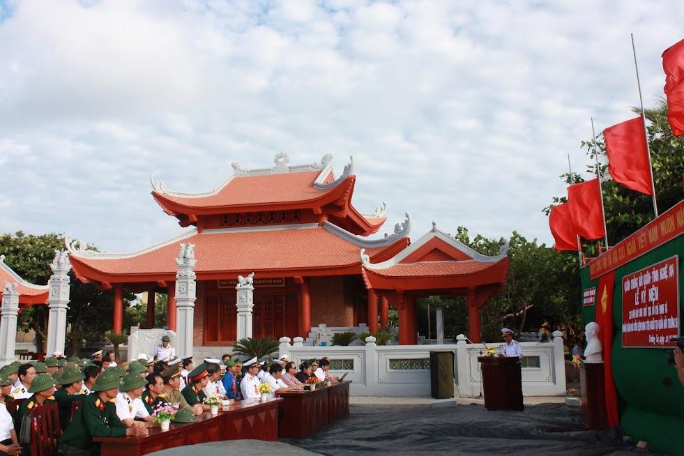 Lễ khánh thành Nhà tưởng niệm Bác Hồ tại đảo Trường Sa lớn