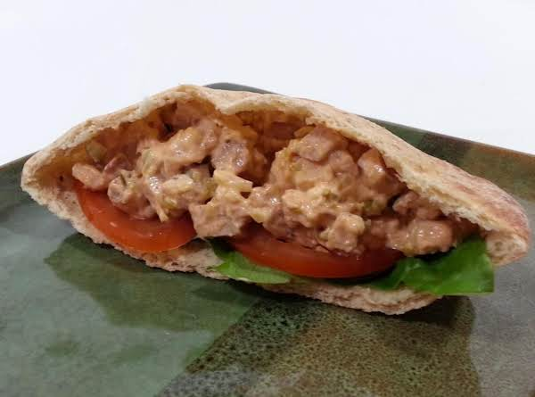 Healthy Chicken Salad Served On 1/2 Pocket Thin With Tomato And Lettuce 7 Points Plus