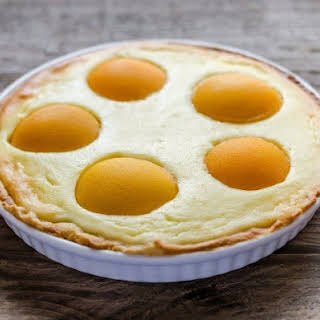 Pie With Cottage Cheese And Canned Peaches.