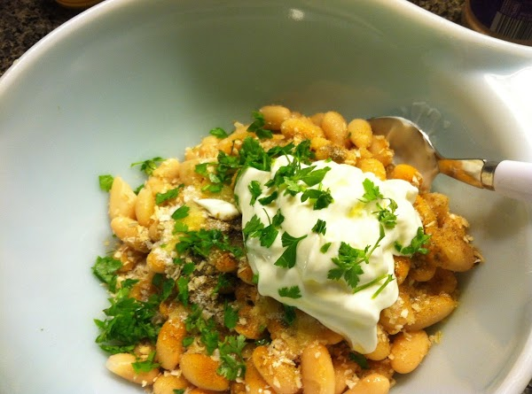 Open your can of cannellini beans; drain and rinse. Add the rest of your chimchurri...