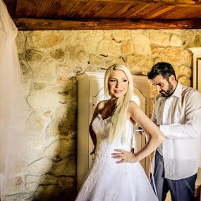 SofiaCamplioniCom (5102) by Sofia Camplioni - Wedding Getting Ready