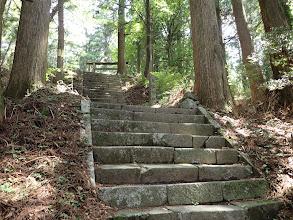 大船神社の石段を登る