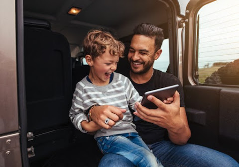 Keeping young children entertained on long trips