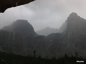 Photo: ...už nám prší aj pod previsom (:D