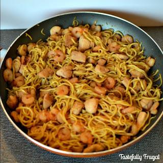 15 Minute Chicken & Shrimp Chow Mein