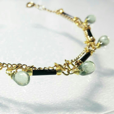 綠玻璃水滴手鏈 Green Glass Teardrop Bracelet