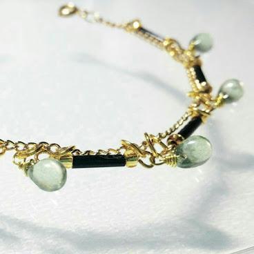 綠玻璃水滴手鏈 Green Glass Teardrop Bracelet