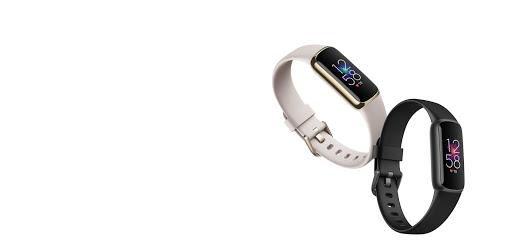 Fitbit Luxe in Hellgrau und Schwarz