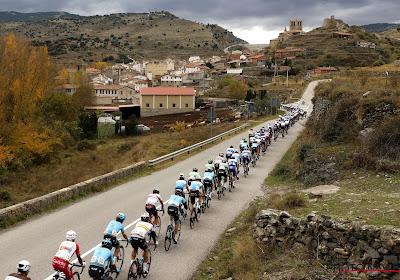 Peloton houdt kopgroep onder controle in vierde etappe Vuelta, opnieuw twee opgaves net voor de start