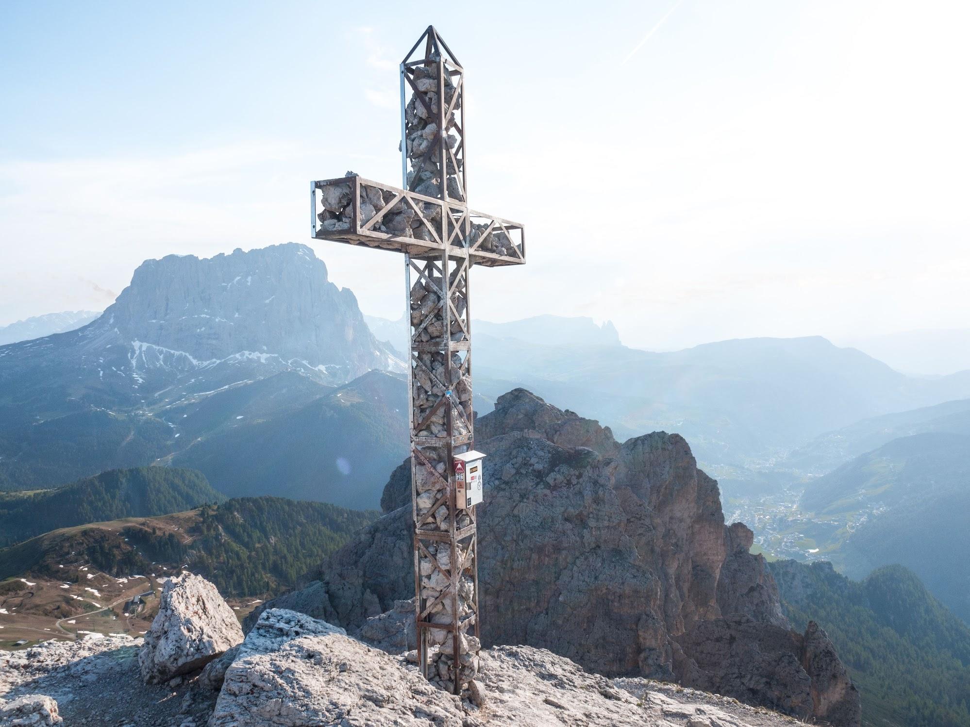 Gran Cir cross Gardena Pass