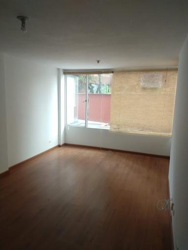 Apartamento en Arriendo/venta - Bogota, Los Rosales 642-4605