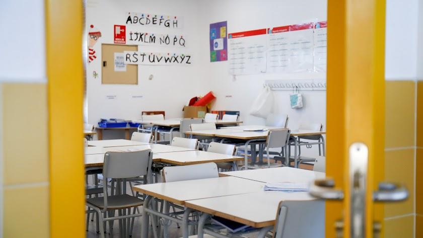Docentes, padres y sindicatos piden respuestas a la Administración sobre el inicio del nuevo curso.