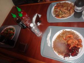 Photo: Na čínskym jídle neni nic extra. Spíš by mi zajímalo, kdo mi tak zaflákal čočku foťáku.. ?